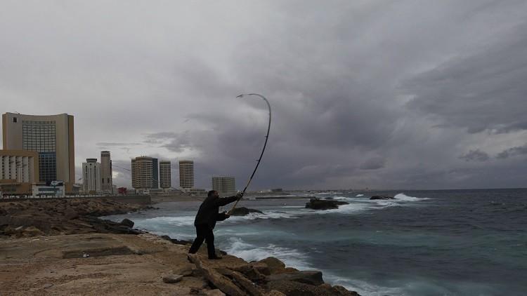 ليبيا...بلدية طرابلس تحذر من أزمة بيئية بسواحلها