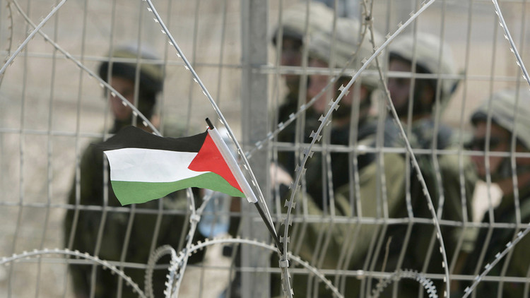 ناشط فلسطيني معروف يمثل أمام محكمة عسكرية إسرائيلية