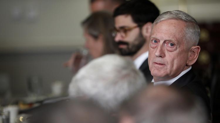 ماذا قال وزير الدفاع الأمريكي لتلميذ اتصل به هاتفيا؟