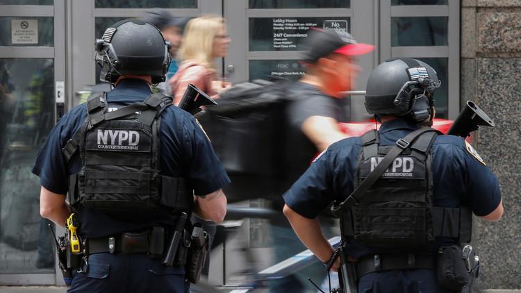 اعتقال ضابط أمريكي قدّم لـ