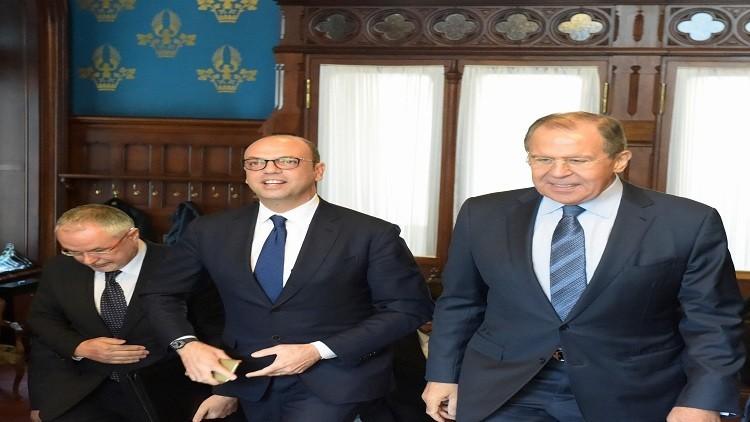 لافروف يناقش مع ألفانو الأزمة الأوكرانية