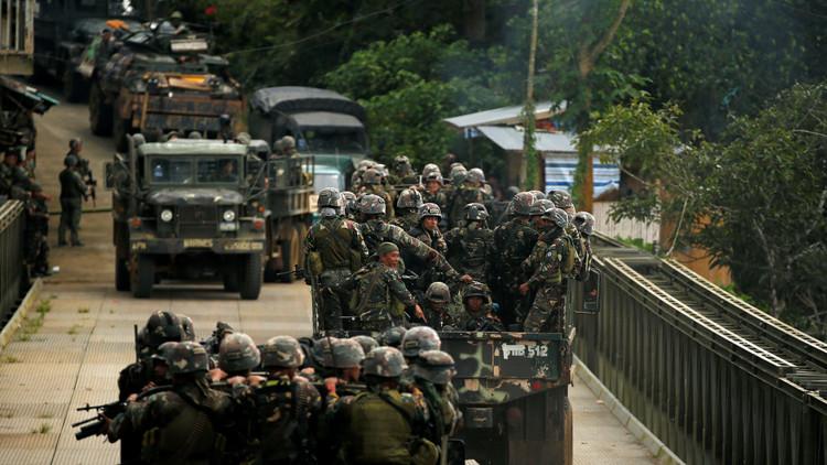 الجيش الفلبيني يقتل جنديين بالخطأ ويصيب عددا آخر