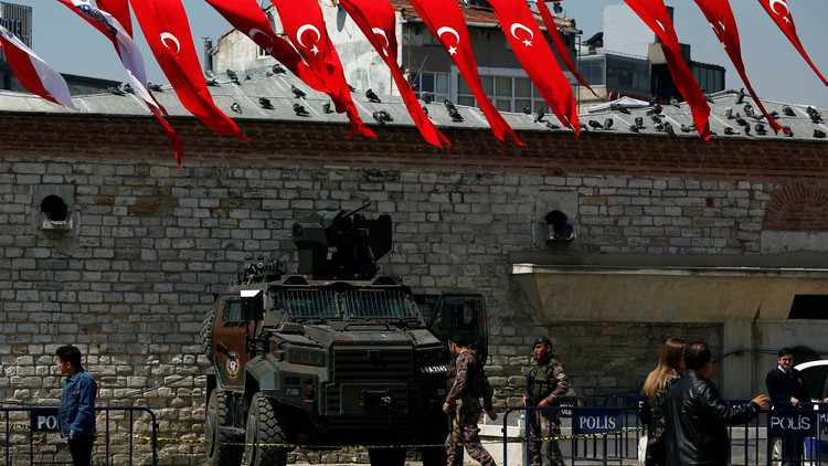 تركيا تعتقل 34 موظفا سابقا بالتلفزيون الحكومي