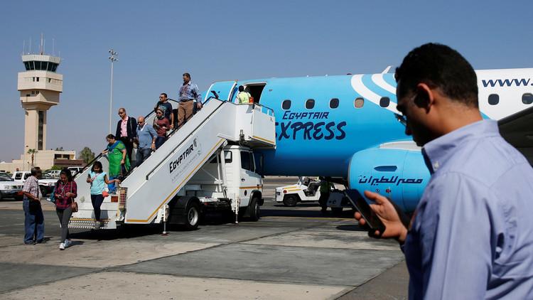 أمريكا ترفع حظر الأجهزة الالكترونية عن مصر للطيران