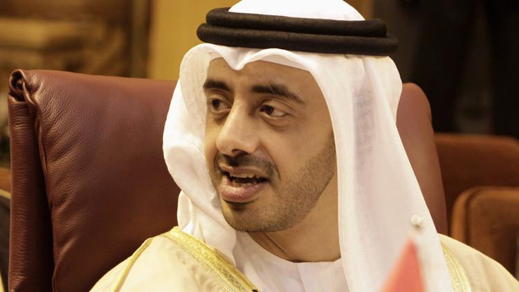 وزير الخارجية الإماراتي: خياران أمام قطر