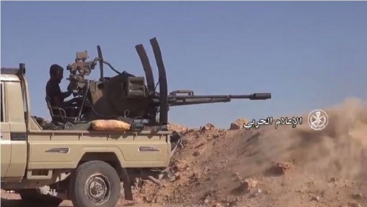 فيديو.. معركة بالحوامات والأسلحة الثقيلة في البادية السورية