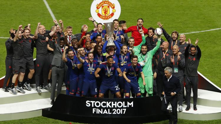 مانشستر يونايتد أثرى من برشلونة وريال مدريد