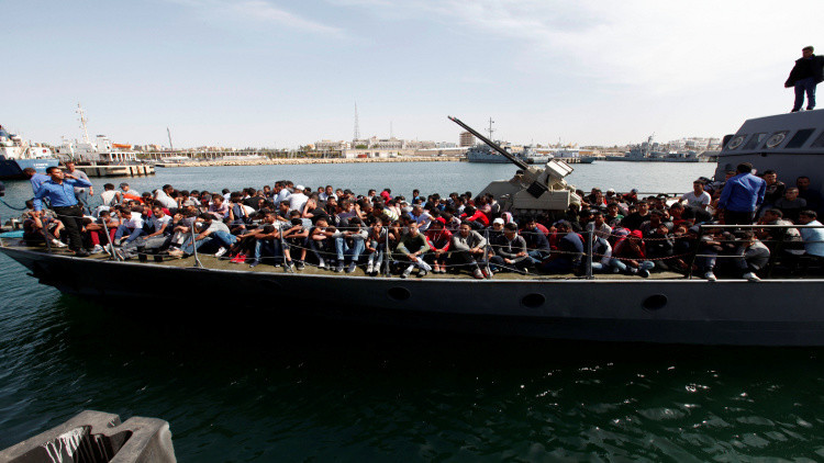 إيطاليا تدعو ليبيا إلى التصدي للهجرة غير الشرعية مقابل مساعدتها في التنمية
