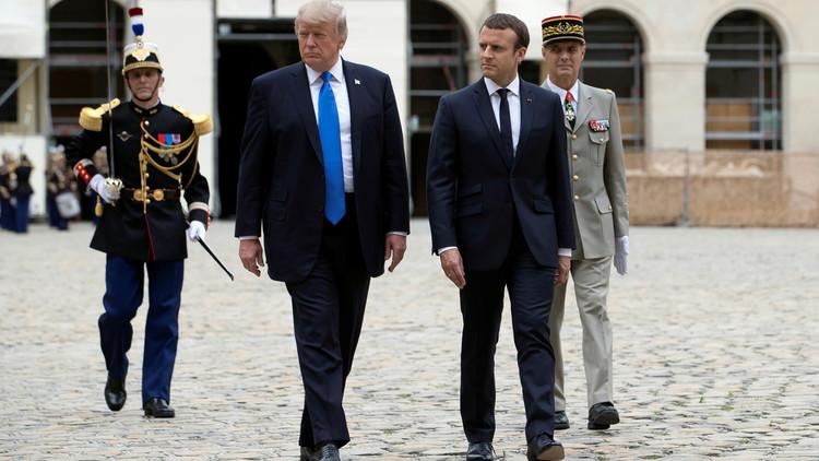 الرئيس الفرنسي ايمانويل ماكرون ونظيره الأمريكي دونالد ترامب