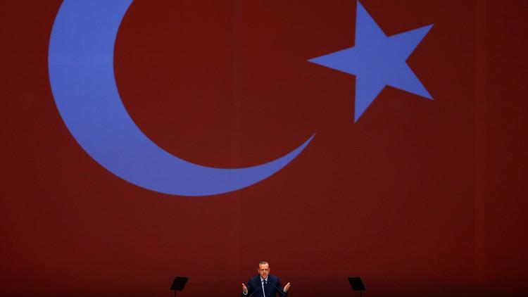 أردوغان يخير الغرب بين الفوز باحترام الأتراك أو دعم الإرهابيين