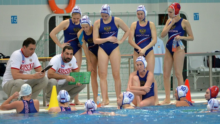 روسيا تفوز على اليونان بكرة الماء