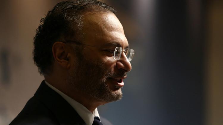 قرقاش يدعو لحل إقليمي للأزمة القطرية