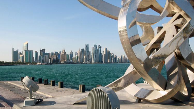 الدوحة تنوي مقاضاة مسؤولين إماراتيين كبار بتهمة