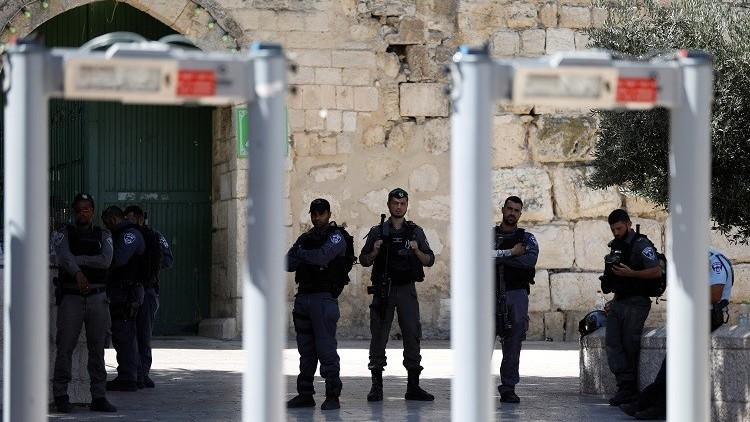 مستوطنون يقتحمون الأقصى ودعوات للتصعيد ضد إجراءات إسرائيل في القدس