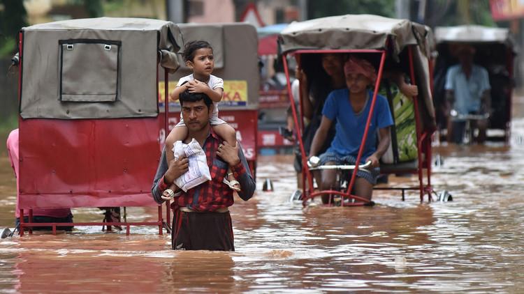 الفيضانات تقتل عشرات الأشخاص في الهند