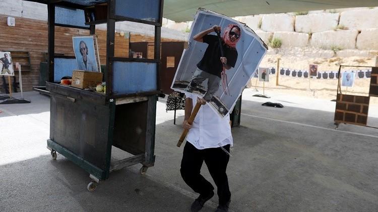 إسرائيل تستقطب السياح بمعسكرات تحاكي قتل الفلسطينيين (صور + فيديو)
