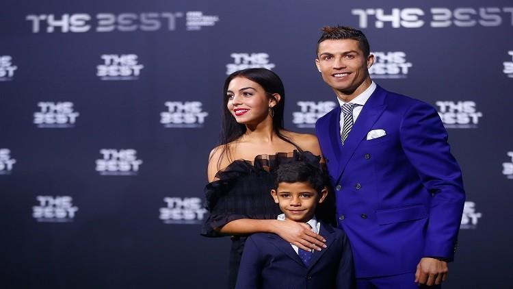 رونالدو يؤكد حمل صديقته جورجينا بطفله الرابع