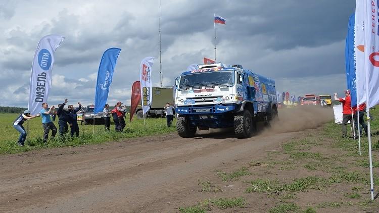 الروسي نيكولايف يفوز بالمرحلة العاشرة من رالي