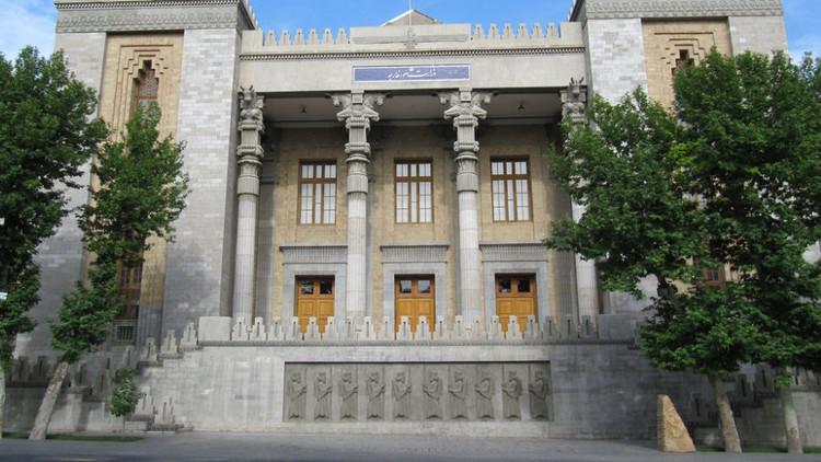 إيران عن العقوبات الأمريكية: لا قيمة لها والرد سيأتي