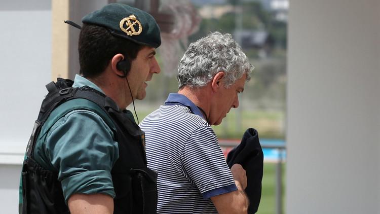 الادعاء الإسباني يطلب السجن لرئيس اتحاد كرة القدم ونجله
