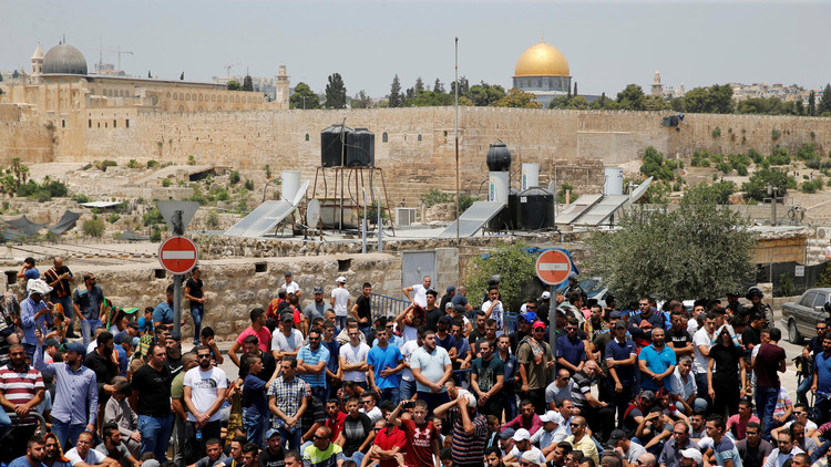 إسرائيل: الأقصى في أيدينا.. وعباس يستنجد بواشنطن