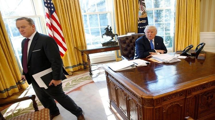 المتحدث باسم البيت الأبيض يستقيل لخلافه مع ترامب