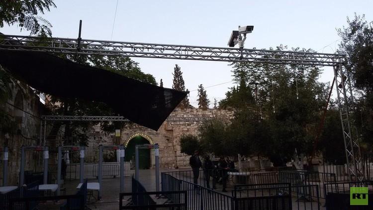 تقارير إسرائيلية: توجه لإزالة البوابات الإلكترونية من محيط الأقصى