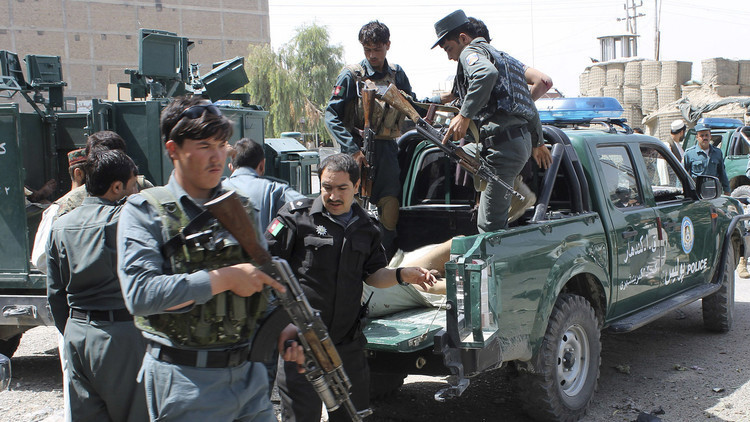 المروحيات الأفغانية تقتل 13 مسلحا لـ