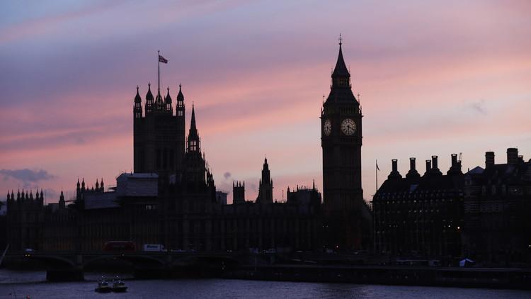 وسائل إعلام: بالرغم من الأخطاء في اليمن، لندن تبيع أسلحة للرياض بـ 238 مليون جنيه استرليني