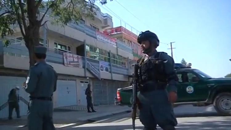 عشرات القتلى والجرحى جراء تفجير انتحاري في كابل