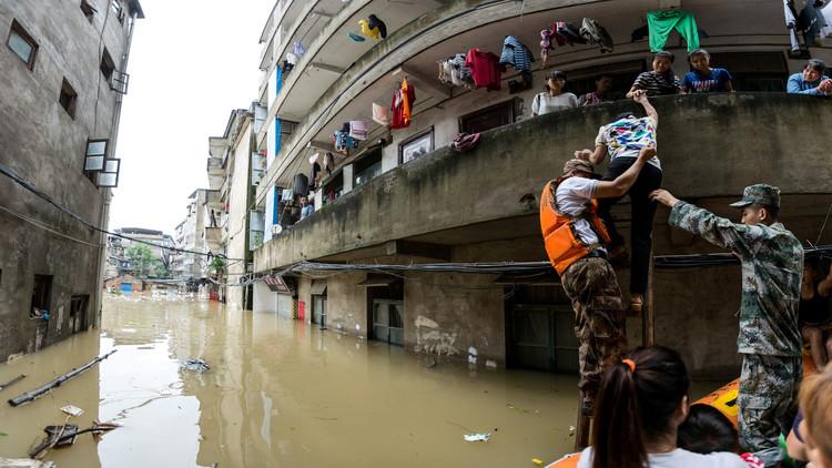 الفيضانات تقتل 10 أشخاص جنوب الصين