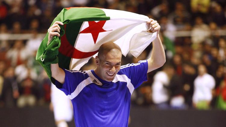 زيدان يدخل نادي أفضل عشرة لاعبين في تاريخ كرة القدم