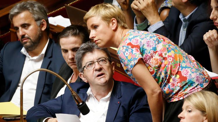 فرنسا تحظر الاستعانة بالأزواج والزوجات في العمل السياسي