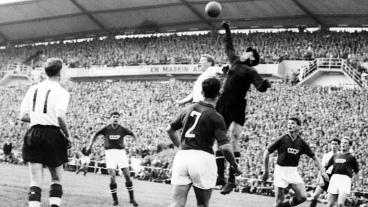 العنكبوت الأسود ليف ياشين أحد أعظم لاعبي كرة القدم في التاريخ