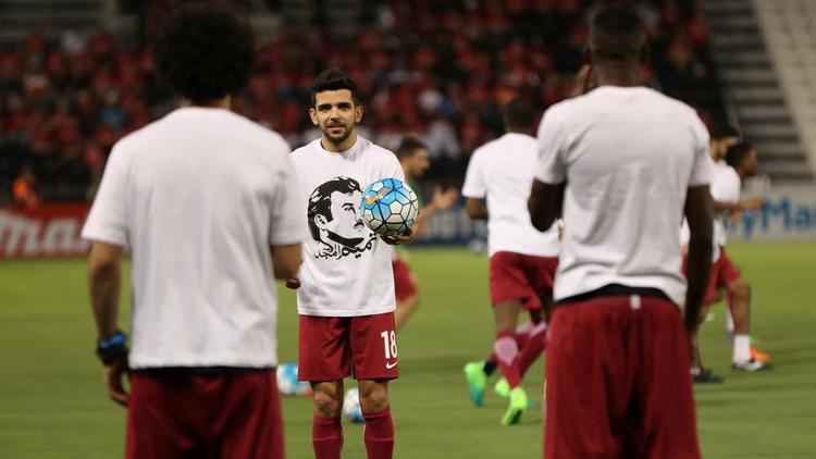 الـ (فيفا) يغرم قطر ويحذرها من استخدام شعارات سياسية