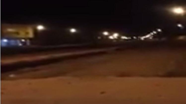 لحظة اعتراض الدفاعات الجوية السعودية صاروخا بالستيا أطلقه الحوثيون باتجاه مكة