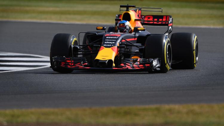 ريكياردو يهيمن على التجارب الحرة في سباق هنغاريا للفورمولا-1