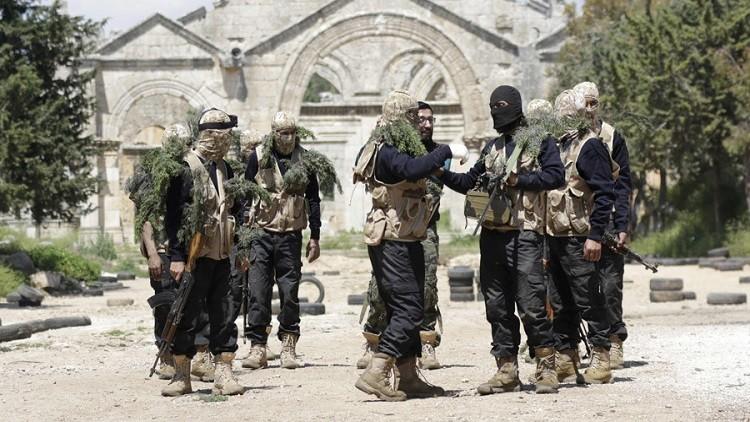 أحد أكبر فصائل المعارضة السورية المسلحة يقترب من الانهيار النهائي!