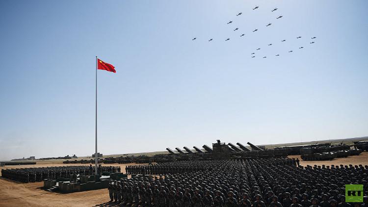 الجيش الصيني يكشف عن أسلحة جديدة في عيده التسعين