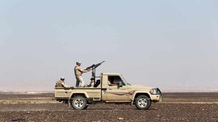 الجيش المصري يقضي على عدد من المسلحين شمال سيناء