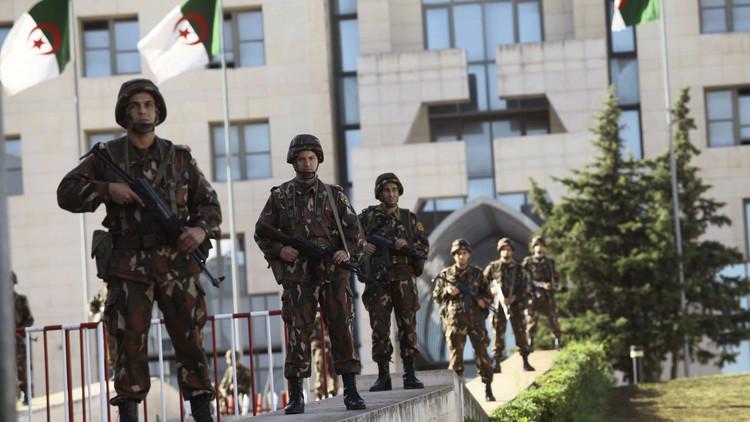 الجيش الجزائري يعلن تصفية 6 مسلحين