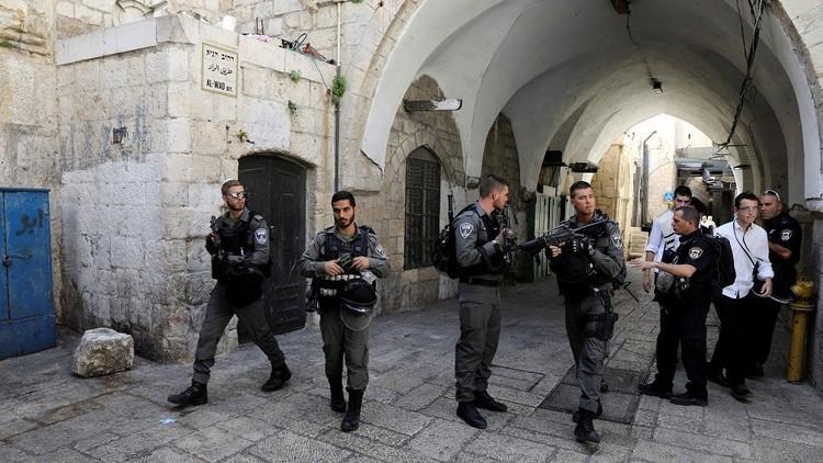 حملة اعتقالات إسرائيلية تطال 42 فلسطينيا في القدس والضفة
