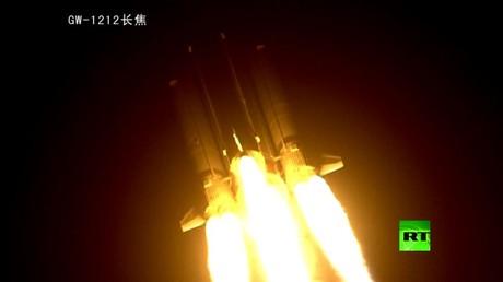 الصين تطلق بنجاح ثاني أثقل صواريخها الفضائية