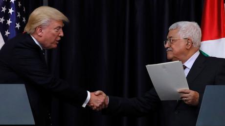 الرئيس الفلسطيني، محمود عباس، والرئيس الأمريكي، دونالد ترامب.