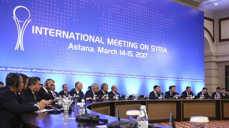 مشاركون في مفاوضات أستانا حول التسوية السورية، 15/3/2017.