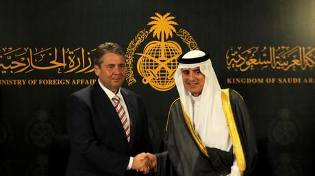 وزير الخارجية السعودي، عادل الجبير، ونظيره الألماني، زيغمار غابريل (جدة، 03/07/2017).