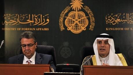 وزير الخارجية السعودي عادل الجبير خلال مؤتمر صحفي مشترك مع نظيره الألماني زيغمار غابريل