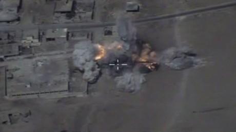 شاهد لحظة ضرب القاذفات الروسية مواقع لـ