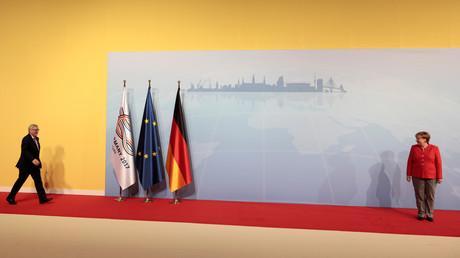 المستشارة الألمانية أنغيلا ميركل تستقبل المشاركين في قمة العشرين