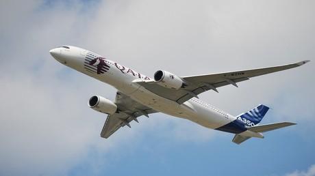 """طائرة """"إيرباص"""" من طراز A350 تابعة لأسطول الخطوط الجوية القطرية"""